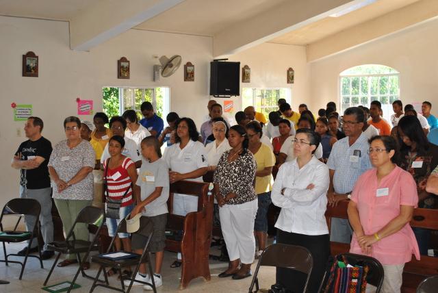 http://www.accionverapaz.org/images/accionverapaz/proyectos/xii_asamblea_dominicana/Asamblea3.JPG